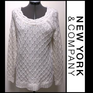 🐠New York and Company creme knit sweater